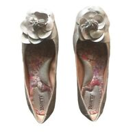 BORN Flower Ballet Flats # W22208 Womens 7 M EU 38 Gold Metallic Leather Shoes
