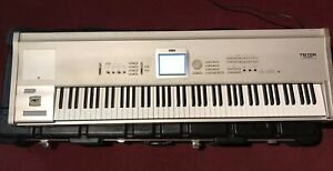 Korg Triton Studio Modell Tritonst88 Work Station Sampler Keyboard
