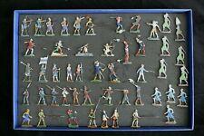 Plats d'étain époque Moyen-âge 48 figurines peintes - Zinnfiguren  Flat tin