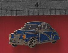 Cloisonne Car pin badge - Vintage Morris Car