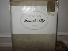 PEACOCK ALLEY LUXURY HEAVENLY THROW BLANKET SO SOFT GREY NWT $135