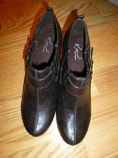 Ladies Kim Short Boots Size 8 Medium