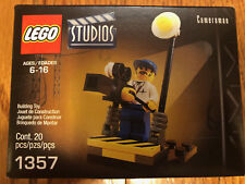 BRAND NEW ~ Lego Studios : Cameraman (1357) Made In 2001 - 20 Pieces ~ SEALED!