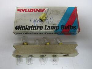 Sylvania 313 Miniature Automotive Bulbs (9) NORS