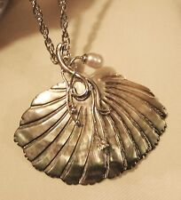Gorgeous Line Beveled Fanned Abalone Shell Sea Pearl Silvertone Pendant Necklace