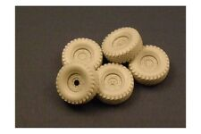 PANZER ART RE35-075 1/35 Road Wheels with spare for HUMVEE (Early Pattern)