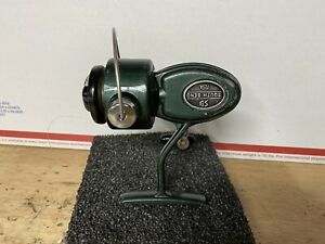 Vintage South Bend 725A Fishing casting reel, Gladding Group