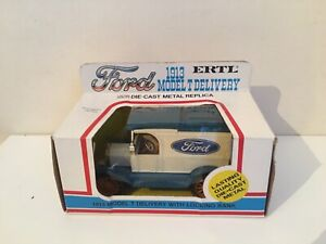1/25 ERTL 1334 - Model T Delivery Van with Locking Bank - Boxed