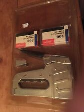 VINTAGE  BUT NEW SEALED BY RICHMOND HEAVY DUTY STAPLER WITH STAPLES