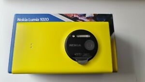 Nokia Lumia 1020 (Unlocked) 41 MP smartphone Yellow