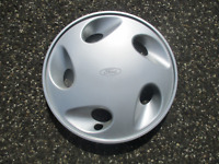 One factory 1992 to 1997 Ford Aerostar 14 inch hubcap wheel cover