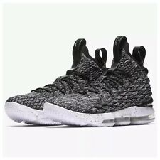 2c13824e59d NIKE LEBRON JAMES XV 15