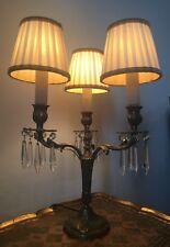 Ancienne lampe girandole, métal laiton avec pampilles cristal