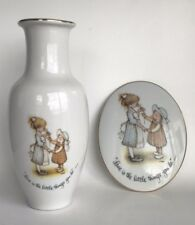 1973 Holly Hobbie Plaque & Vase Love Is The Little Things You Do World Wide Arts