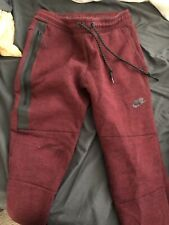 nike tech fleece Jogger Pants Small Burgundy