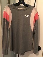 Hollister Graphic Ladies New Longsleeve Shirt.  Size Small