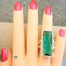 Size 8 Womens Ring green emerald chunky Cocktail large crystal fashion Silver