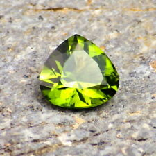 PERIDOT / OLIVINE-ARIZONA 2.11Ct FLAWLESS-PRECISELY FACETED-FOR TOP JEWELRY!