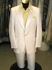 COSTUME WHITE TUXEDO MENS 39R VINTAGE TUX GREAT FOR HALLOWEEN-PARTY