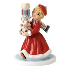 Royal Doulton Nostalgic Christmas Wrapped and Ready Figurine Retro NF 001 New
