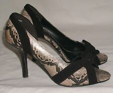 Unlisted heels sz 6 M brown faux snakeskin