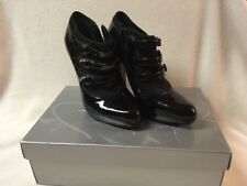 Jessica Simpson Black Patent Leather High Heel w 3 Buttons on Side Size 6.5