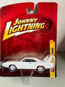 Johnny Lightning '70 Plymouth Superbird. Small card