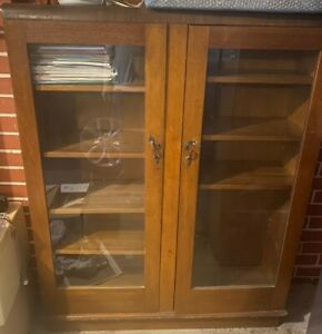 2 Vintage Wooden Bookshleves / Cabinets with Glass front