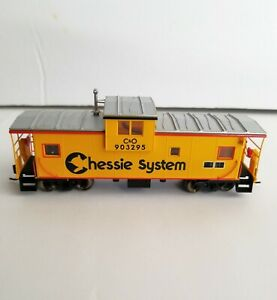 HO Atlas Wide Vision Caboose Chessie System with Flashing Rear Lights Custom Car