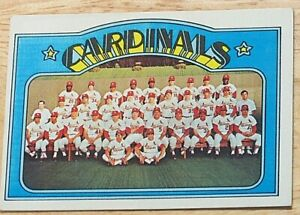 1972 TOPPS BASEBALL SET, #688 St. Louis Cardinals Team Picture, VG/VGEX
