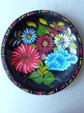ancienne assiette en bois avec des fleurs peintes, Russe ?