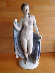 LARGE RARE ROSENTHAL NUDE FIGURE WITH TOWEL AFTER THE BATH BY W HEIDER  1927