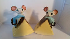 VINTAGE 1950'S NORCREST MOUSE WITH CHEESE  SALT & PEPPER SHAKERS MICE