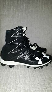 UNDER ARMOUR SOCCER CLEAT HI-CUT YOUTH SIZE 5 SPORTSWEAR  SHOES