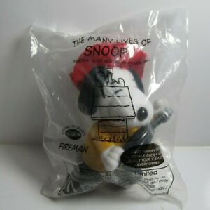 McDonald's 2001  The Many Lives of Snoopy plush toy #13 Fireman unopened