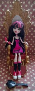 Monster high draculaura DIE-NER doll with accessories
