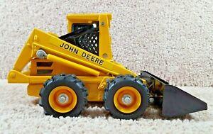 ERTL 1/16 Diecast John Deere Skid Steer Loader Industrial Construction #554-8616