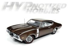 AUTO WORLD 1:18 OLDSMOBILE 1968 442 W-30 DIE-CAST BRONZE AMM1084