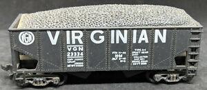LIFE-LIKE: VIRGINIAN VGN #23334 HOPPER Car. BLACK Vintage. HO Scale SPRUNG TRUCK
