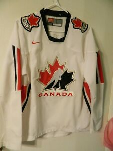 Team Canada Olympic Hockey Jersey Nike mens small IIHF classic white