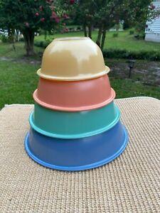 4 Pyrex Pastel w Clear Bottom Mixing Nesting Bowl Set Blue Green Peach Yellow