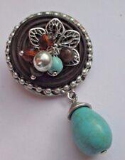 broche rétro couleur argent pampille verte perle ronde vintage légères 1645