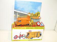 DINKY TOYS, Peugeot J7 dépannage autoroute, dinky atlas 570 autoroute