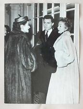 ANCIENNE PHOTOGRAPHIE - EVELYN KEYES & YVONNE DE CARLO - JACQUES DELEPLANQUE