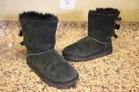 UGG Kids' Black Short Bailey Bow Boots Size 4 #3280K (ugg100