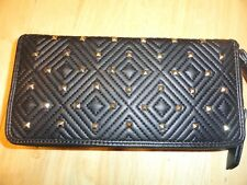 NWT INC INTERNATIONAL CONCEPTS INC ZIP AROUND WRISTLET WALLET AND SLIP IPHONE