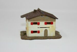 """Z Scale Two Story House Pre-Built Approx. 2 3/4 x 2 1/4 x 2"""" (#41)"""