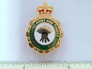 WW2 MILITARY WOMENS LAND ARMY & TIMBER CORPS VETERAN ENAMELLED LAPEL BADGE