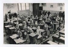 PHOTO de Classe d'une école de CLERMONT FERRAND .