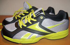 REEBOK  sz 6 MENS RUNNING SNEAKERS - LIGHT WEIGHT - GRAY & BLACK - NWOB SHO-11